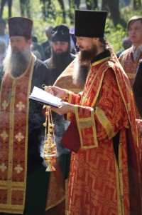 Панихида на Ростовском воинском кладбище 9 мая 2011 года.
