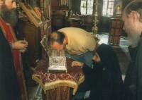 У  ковчега с Поясом Пресвятой Богородицы