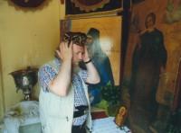 Архимандрит Сильвестр в шапочке с мощей  св. Иоанна Русского воина