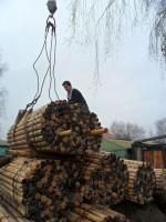 Помощь монастыря в доставке дров многодетной семье