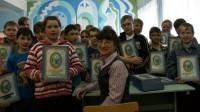 Вручение детям книг «Преосвященный батюшка» апрель 2012 г.