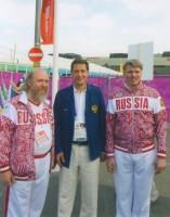 Архимандрит Сильвестр с президентом Национального олимпийского комитета России Александром Жуковым (в центре) и руководителем Российской спортивной делегации Павлом Колобковым (справа) 2012 год