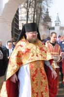 Игумен Августин на крестном ходе вокруг Ростовского кремля 21 апреля 2012 г.