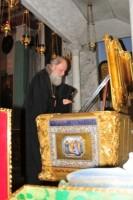 Архиепископ Пантелеимон у рака Свт. Димитрия Ростовского, 2011 г.