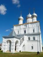 Спасский храм Спасо-Яковлевского монастыря.