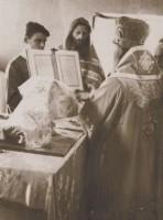 Рукоположение иеродиакона Михея во священника совершает епископ Гурий (Егоров). 1949 г.