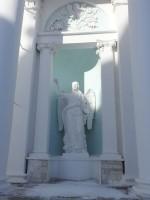 Скульптурное изображение Архангела Гавриила