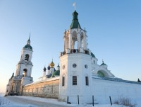 Угловая башня и колокольня
