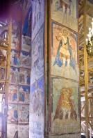 Собор Зачатия св. Анны. Интерьер. Северо-западный столб с изображениями святых воинов. 8 июля 2019 г. Уильям Брумфилд