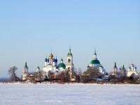 Вид на Спасо-Яковлевский монастырь
