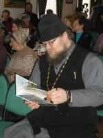 Игумен Августин на выставке православных книг для детей, 2012 г