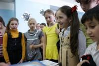 Встреча со школьниками и вручение книг 19.04.2012 г.