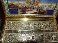 Ковчег, в котором хранится Пояс Богородицы. Фото 2011 г.