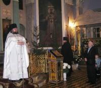 Наместник монастыря игумен Августин поздравляет прихожан с Рождеством Христовым, 2012 г