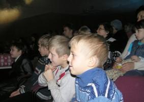 Зрители на рождественском спектакле, 2012 год