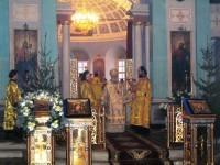 Митрополит Пантелеимон на богослужении в Дмитровском храме.