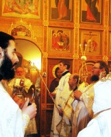 Божественную литургию в храме Андрея Стратилата возглавил митрополит Пантелеимон,2012