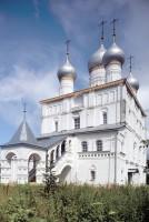Церковь Спаса Преображения. Юго-западный вид с крыльцом и галереей. 7 июля 2019 г. Уильям Брумфилд