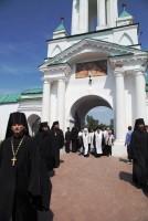 Встреча Крестного хода в Спасо-Яковлевском монастыре