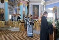 Вечерня с выносом плащаницы в Димитриевском соборе Спасо-Яковлевского монастыря. 10 апреля 2015 г.
