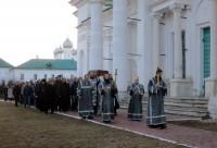Крестный ход Великой пятницы Спасо-Яковлевском монастыре. 10 апреля 2015 г.