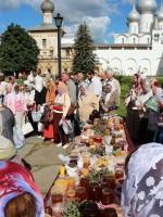 Освящение меда в Ростовском кремле. 14 августа 2015 г.