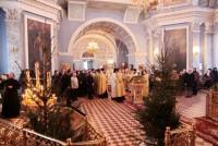 Божественная литургия, совершенная митрополитом Ярославским и Ростовским Пантелеимоном в Спасо-Яковлевском монастыре 8 января 2016 года.