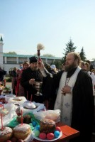 Освящение куличей накануне праздника Пасхи в Спасо-Яковлевском монастыре. 30 апреля 2016 г.