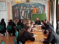 Работа курсов базовой подготовки в области богословия для монашествующих в Спасо-Яковлевском Димитриевом монастыре