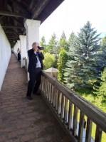 На стенах Спасо-Яковлевского монастыря