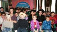 Дети из творческих мастерских при Спасо-Яковлевском Димитриевом монастыре на празднике У камелька 2012 г.