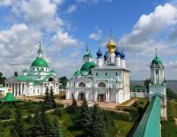 Вид на монастырь со смотровой площадки на башне