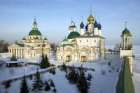 Вид на монастырские храмы с юго-западной башни. Зима 2009. Фото Сергея Щегольского