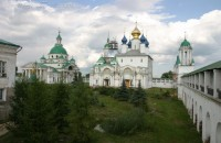 Монастырские храмы. 2010г. Фото Сергея Щегольского