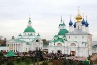 Вид на монастырские храмы с юго-западной башни. 2010г. Фото Сергея Щегольского