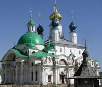 Храм св. Иакова Ростовского (зелёные купола)