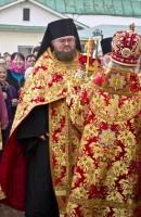 Крестный ход после Богослужения Митрополита Пантелеимона в Спасо-Яковлевском монастыре на Светлой Пасхальной седмице 22 апреля 2014 года.