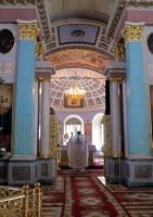 Наместник монастыря игумен Августин произносит молитву во время Херувимской песни. В Великую субботу - единственный раз в году, вместо Херувимской поется «Да молчит всякая плоть человеча и мирское в себе ничтоже помышляет».