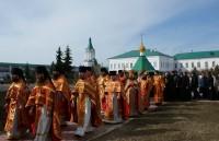 Крестный ход в Спасо-Яковлевском монастыре на Светлой Пасхальной седмице 17 апреля 2012 г.