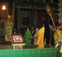 Рака с мощами преподобного Аврамия Ростовского вновь обрела свое место в храме Авраамиевого монастыря. 29 июля 2012 г.