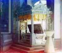 Рака святителя Димитрия Ростовского в Димитриевском соборе Спасо-Яковлевского монастыря. Фото Прокудина-Горского 1911 г.