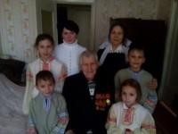 Ученики Воскресной школы в гостях у ветерана Великой Отечественной войны Василия Михайловича Нагишина.