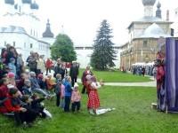 Учащиеся Воскресной школы в Ростовском кремле 24 мая 2017 г.