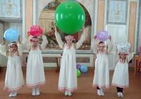 Праздничные концертные выступления учеников воскресной школы.