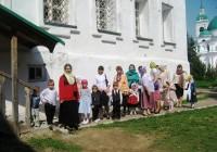 Воспитанники Воскресной монастырской школы