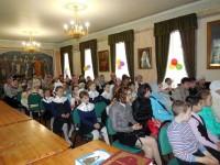 Зрители и участники детского Пасхального праздника 3 мая 2015 г.