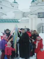 Руководитель Воскресной школы Наталия Александровна Левкина со своим воспитанниками